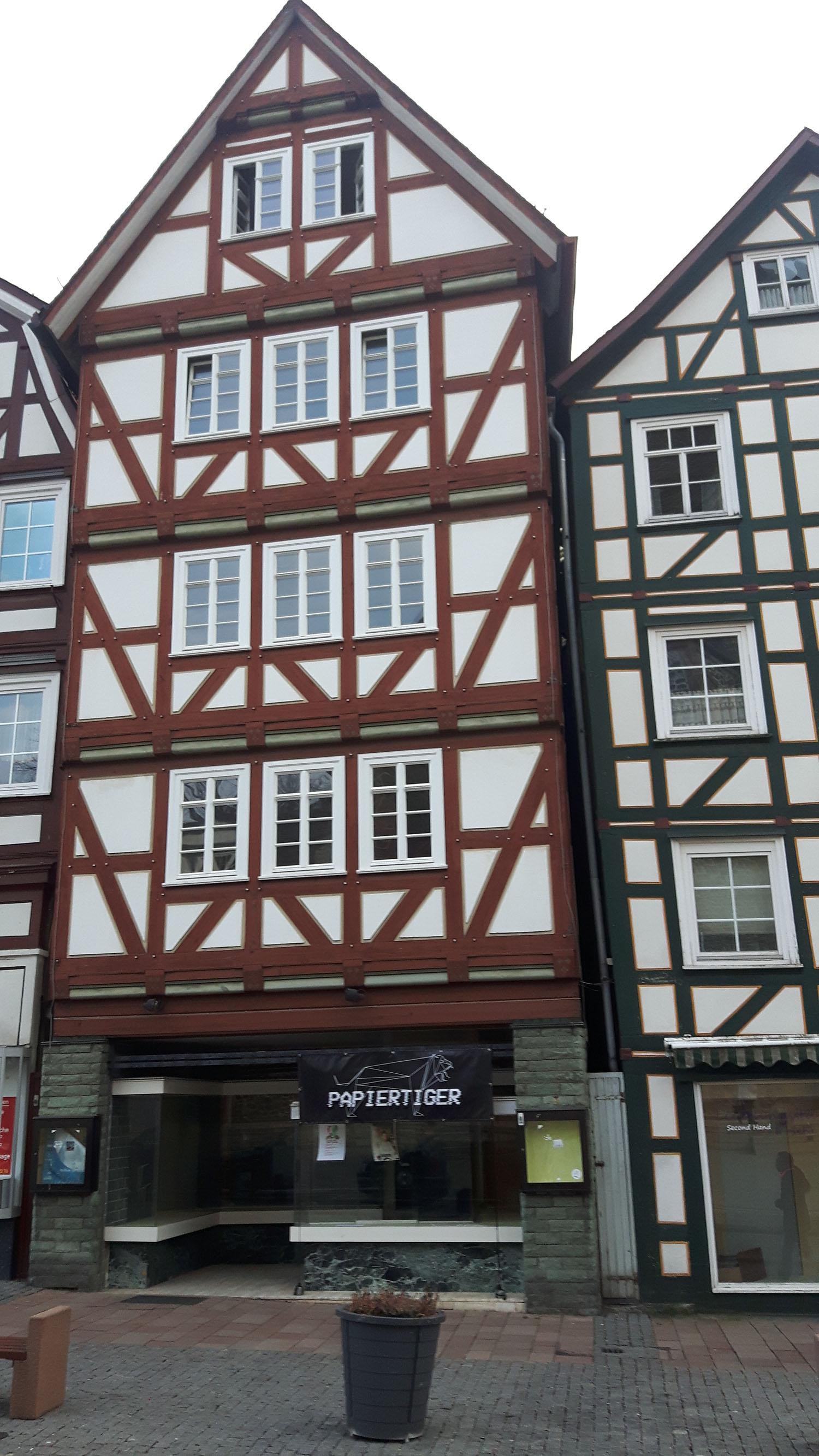 Homberg Efze Marktplatz - Atelier Papiertiger