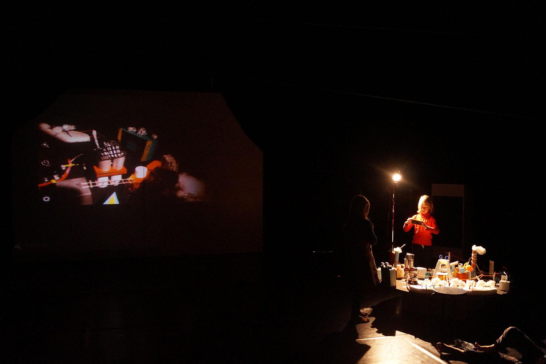 Video-Live-Performance Stadt der Toten